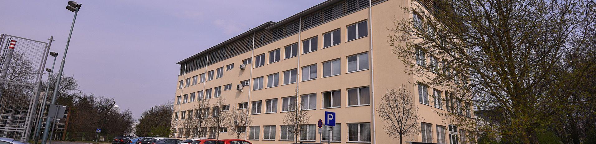 Debreceni Egyetem Matematikai Intézet